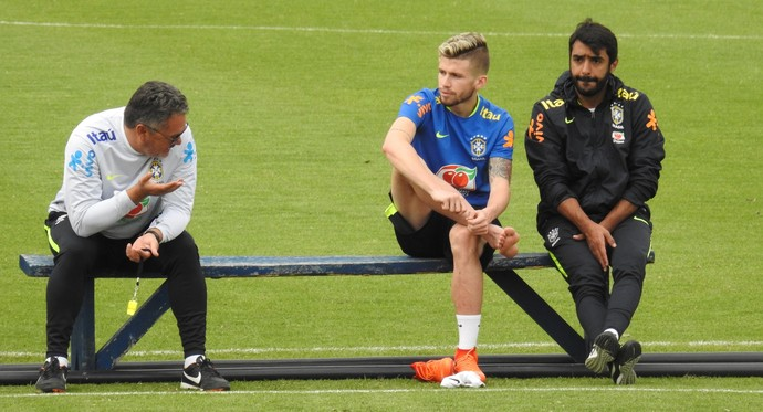 Rogério Micale e Caio Henrique Seleção Sub-20 (Foto: Lucas Loos / GloboEsporte.com)