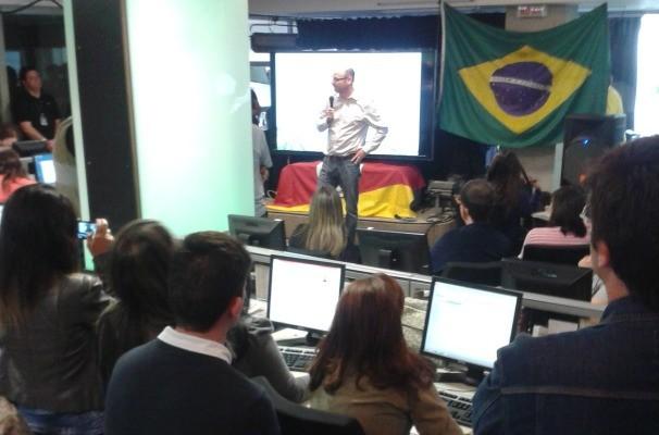 O chefe de redação da RBS TV, Gerson Cruz, falou sobre o planejamento da emissora para a Copa do Mundo no Brasil (Foto: Divulgação/RBS TV)