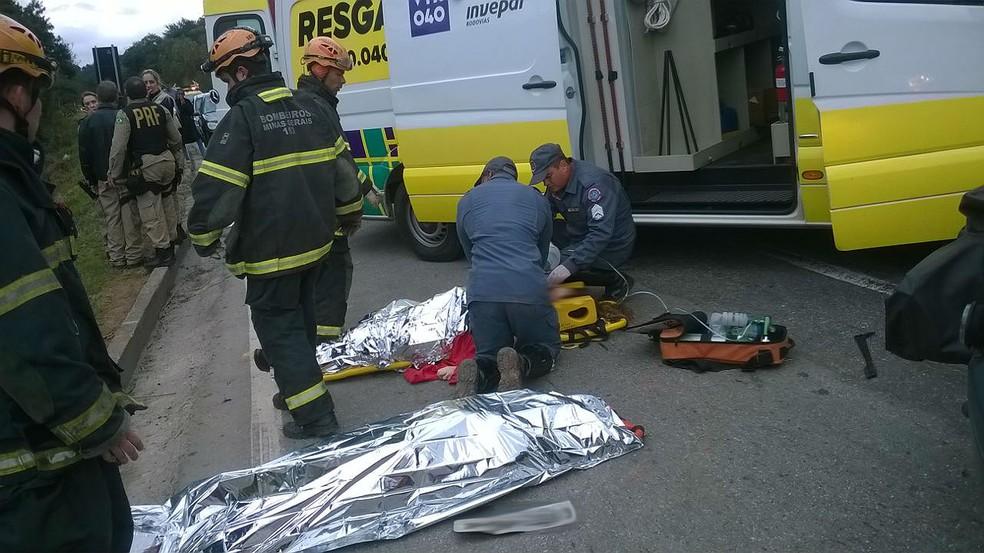 Cinco pessoas morreram após acidente na BR-040 em Juiz de Fora; outra vítima morreu no hospital (Foto: Corpo de Bombeiros/Divulgação)