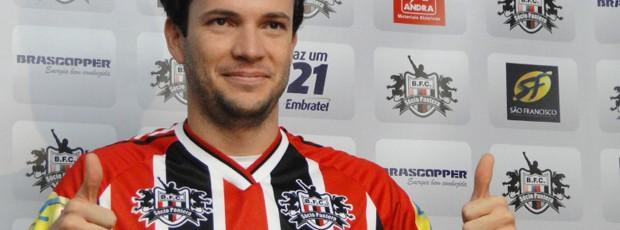 Daniel Paulista é apresentado como reforço do Botafogo (Foto: Cleber Akamine / Globoesporte.com)