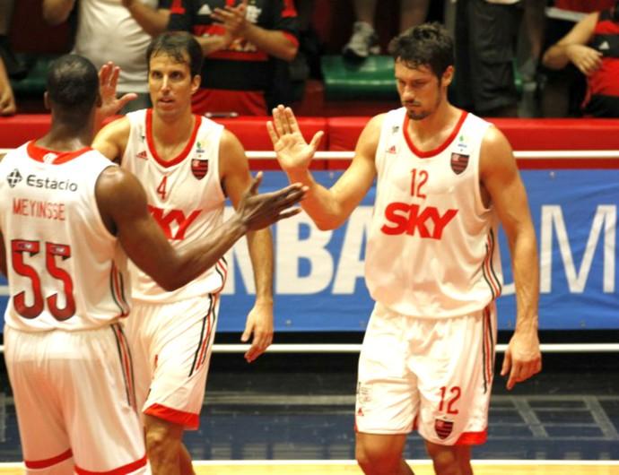 Rafael Mineiro, Marcelinho Machado, Meyinsse, Flamengo, Basquete, NBB 8 (Foto: Gilvan de Souza / Flamengo)