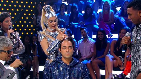 Eduardo Sterblitch tem parte do cabelo raspado no 'Amor & Sexo': 'Não olhei'