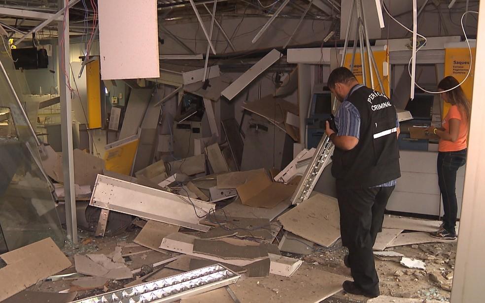 Banco do Brasil é explodido na Paraíba (Foto: Reprodução/TV Paraíba)
