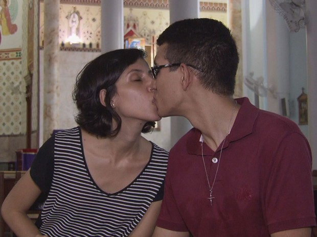 Casal está de casamento marcado para 2017 após pedido de casamento em videogame em Cubatão (Foto: G1)