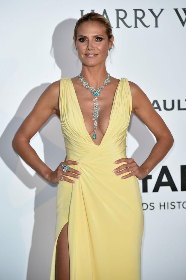 Heidi Klum no baile de gala da amfAR, em Cannes, na França (Foto: AFP)