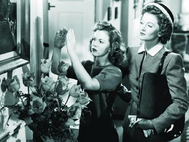 Shirley Temple (à esquerda) ao lado de Myrna Loy no filme 'Solteirão cobiçado' (1947), um dos últimos de sua carreira (Foto: Divulgação)