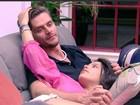 'BBB 17': Emily diz que daria colar do anjo para Marcos e 'quebra' a web