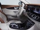 Interior do novo Classe E terá painel digital e 'touch' no volante