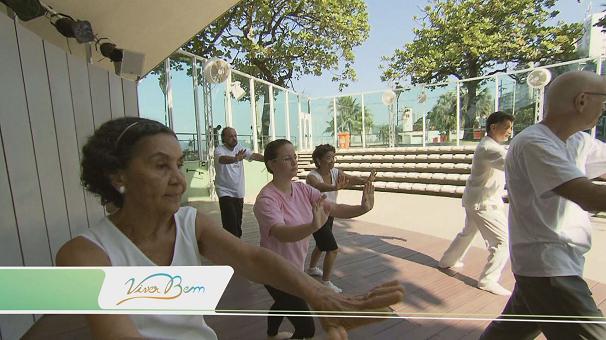Tai Chi Chuan na Concha Acústica em Santos (Foto: Reprodução/TV Tribuna)