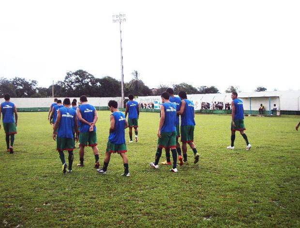 Jogadores do Sampaio reclamam de indefinição da Série D (Foto: Afonso Diniz/Globoesporte.com)