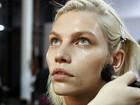 Sexy, mas natural: veja o passo a passo da maquiagem e do penteado do desfile da Colcci