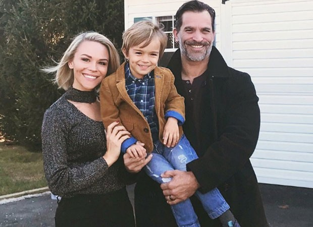 Schaech é casado com Julie Solomon com quem tem um menino, Camden (Foto: Reprodução)