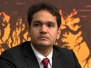 Ex-presidente da Câmara, João Emanuel é alvo de investigação. (Foto: Reprodução / TVCA)