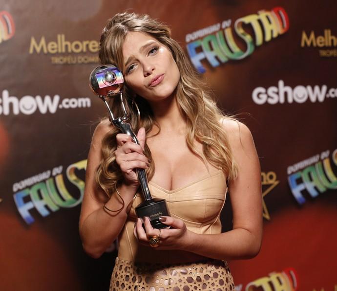 Isabella Santoni faz charme ao vencer o Melhores do Ano (Foto: Ellen Soares / Gshow)