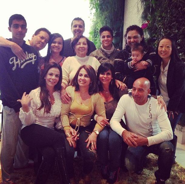 Thammy Miranda posta foto da familia (Foto: Instagram/Reprodução)