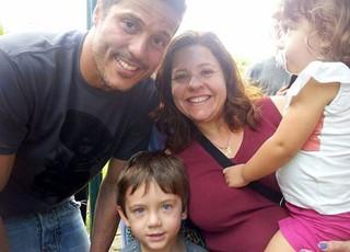 Julio Cesar e família (Foto: Marcel Rocha)