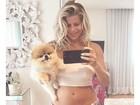 Grávida, Karina Bacchi acorda cedo e aparece linda de pijama em foto