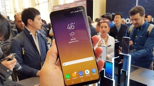 Foto: (Galaxy S8 tem tela gigante de 5,8 polegadas sem bordas (Foto: Thassius Veloso/TechTudo))