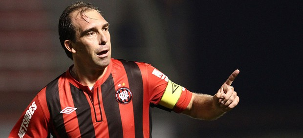 Paulo Baier, Atlético-PR x Ipatinga (Foto: Geraldo Bubniak / Agência Estado)