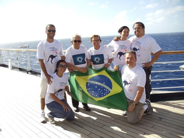 Brasileiros do Clube de Astronomia de Brasilia em viagem à Oceania para ver eclipse total de sol (Foto: Arquivo pessoal)