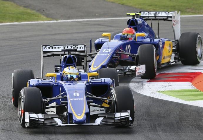 Marcus Ericcson e Felipe Nasr nos treinos para o GP da Itália (Foto: AP)