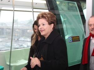 Presidente Dilma participa da solenidade de inauguração do aeromóvel em Porto Alegre (Foto: RICARDO FABRELLO/FUTURA PRESS/ESTADÃO )