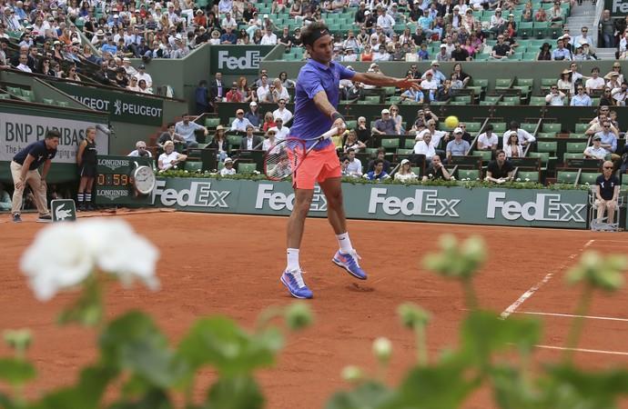 Federer vence em Roland Garros (Foto: AP Photo/David Vincent)