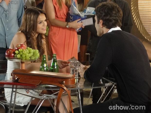 Luiza não esconde sua admiração pelo músico (Foto: Em Família/TV Globo)