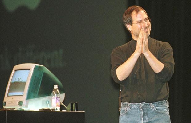 f05dea9d91cd1 Steve Jobs, cofundador e então presidente-executivo interino da Apple, em  1998,