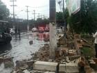 Muro do Clube Caxias desaba durante forte chuva em Vitória