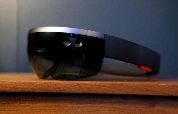 Óculos de realidade aumentada  HoloLens. (Foto: Beck Diefenbach/Reuters)