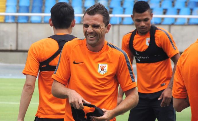 Montillo, treino Shandong engenhão (Foto: Fabio Lima)