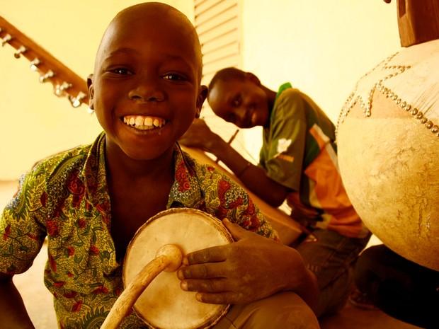 Fundação Playing For Change mantém programas em países de baixo desenvolvimento sócioeconômico  (Foto: Divulgação / Playing For Change)