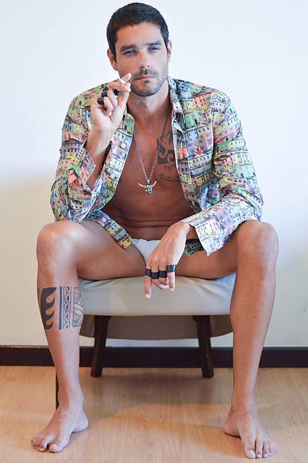 Ex-BBB Diego Grossi posa para ensaio sensual (Foto: Rodrigo Nunes / Divulgação)