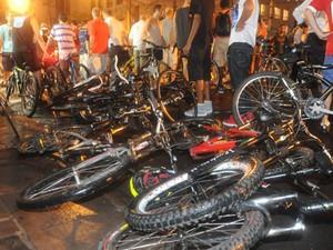 Atropelamento coletivo de ciclistas ocorreu 2011 (Foto: Ricardo Duarte/Agência RBS)