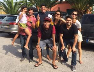 Família gabriel Medina em Peniche surfe (Foto: Breno Dines)