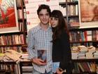 Caio Blat e Maria Ribeiro participam de lançamento de DVDs