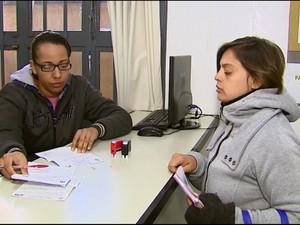 Pacientes não conseguem medicamentos de graça em Matão (Foto: Reginaldo dos Santos/EPTV)