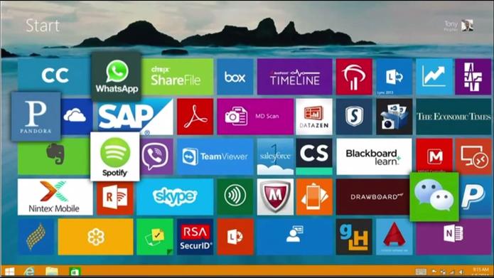 WhatsApp foi exibido na tela inicial do Windows durante conferência da Microsoft (Foto: Reprodução/Microsoft)