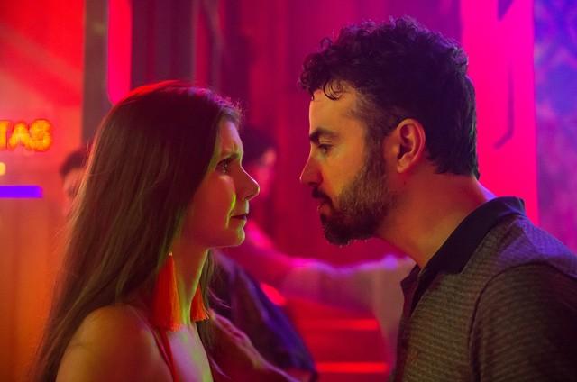'O outro lado do paráiso': Desirée (Priscila Assun) e Juvenal (Anderson Di Rizzi) (Foto: TV Globo)