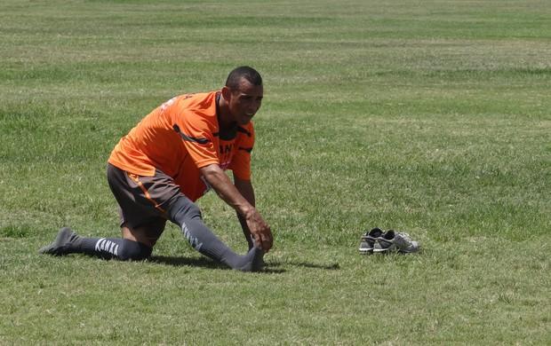 Paulo Sérgio - treino CRB (Foto: Leonardo Freire/GLOBOESPORTE.COM)