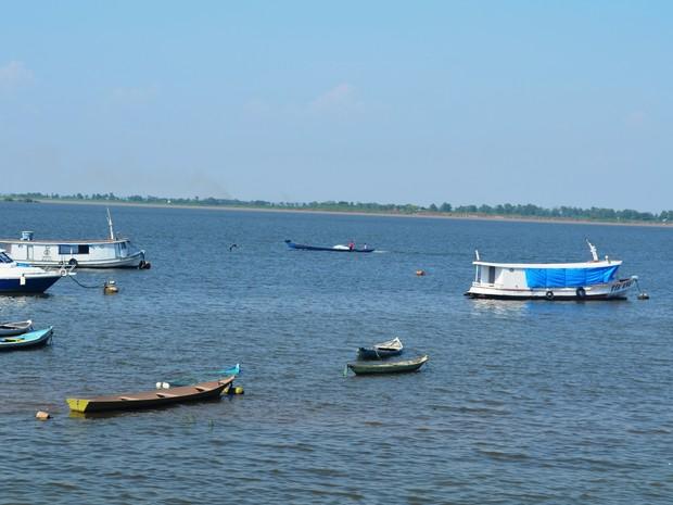 Coloração habitual, como na foto, não se estende por toda a extensão do rio (Foto: Joab Ferreira/G1)