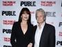 Catherine Zeta-Jones e Michael Douglas vão juntos a estreia de peça