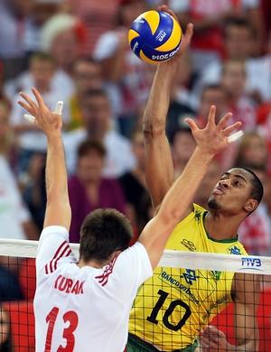 Mundial Masculino de vôlei Lucarelli em lance de jogo (Foto: AFP)