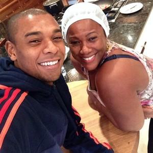 Fernandinho e sua mãe (Foto: Reprodução/Instagram)
