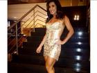 Scheila Carvalho posa de vestido transparente e fã elogia: 'Ousada'