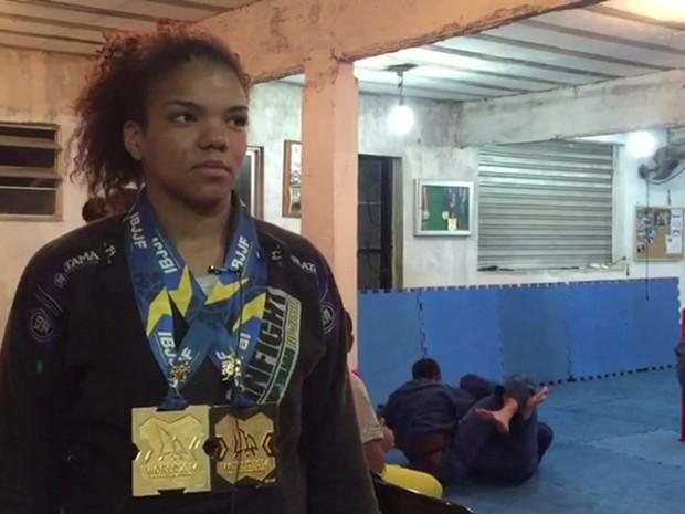 Gabi Pessanha, de 15 anos, venceu o campeonato mundial da IBJJF em junho deste ano. (Foto: BBC)