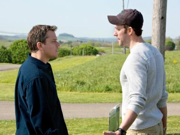 Matt Damon e John Krasinki em cena de 'Promissed land' (Foto: Divulgação)