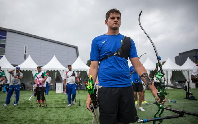 Marcus Vinicius é eliminado da competição individual de tiro com arco no Pan (Foto: Jonne Roriz/Exemplus/COB)