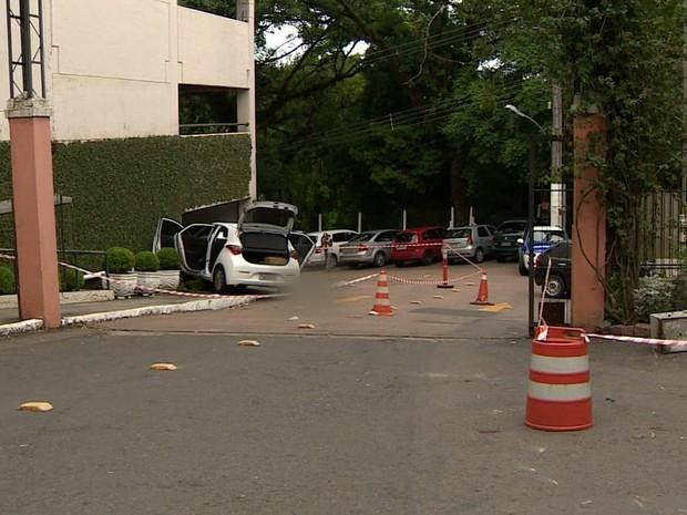assalto hospital homem morto divina providência porto alegre rs (Foto: Reprodução/RBS TV)